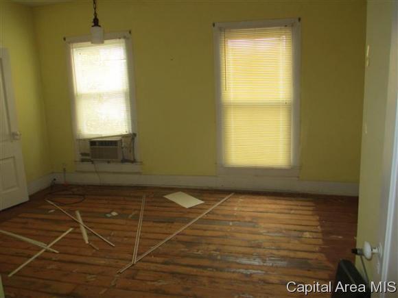 Residential,Single Family Residence, 2 Story - Jacksonville, IL (photo 4)
