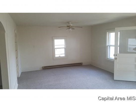 Bungalow,1 Story, Residential,Single Family Residence - Virden, IL (photo 4)