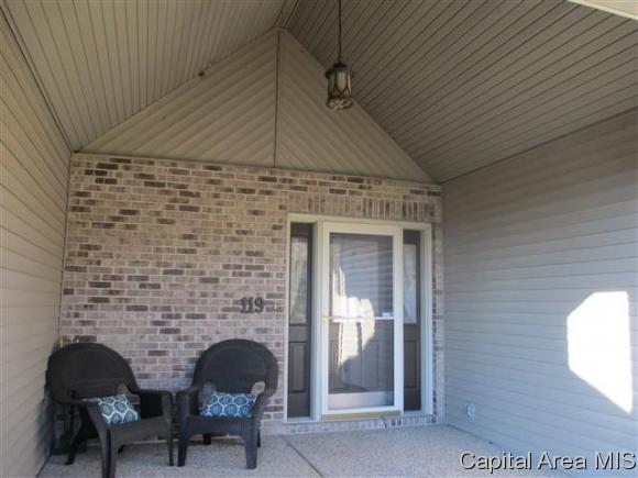 1.5 Story, Residential,Single Family Residence - Jacksonville, IL (photo 5)