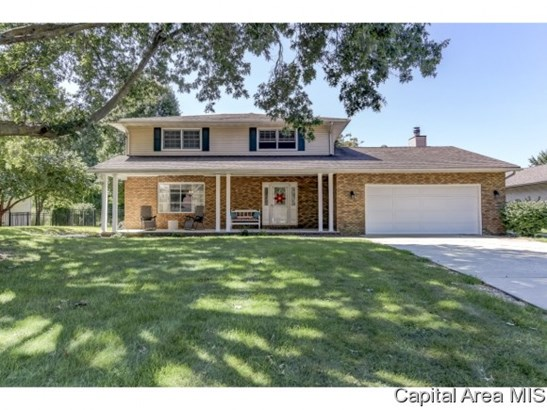 2 Story,Traditional, Residential,Single Family Residence - Sherman, IL