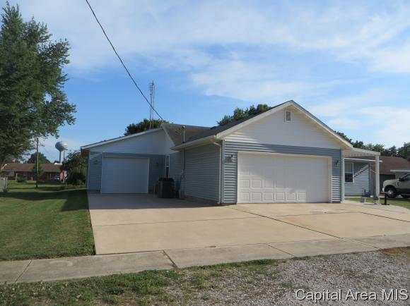 Ranch,1 Story, Residential,Single Family Residence - Farmersville, IL (photo 3)