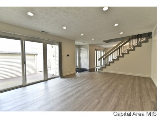 2 Story,Contemporary, Residential,Built As Condo - Springfield, IL (photo 2)