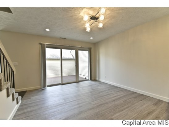 2 Story,Contemporary, Residential,Built As Condo - Springfield, IL (photo 4)