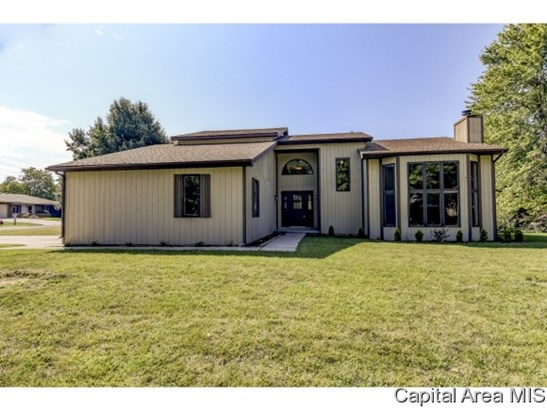 Contemporary,1.5 Story, Residential,Single Family Residence - Sherman, IL