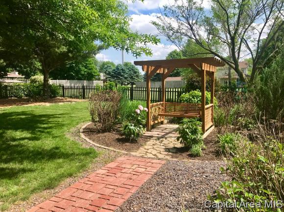 1.5 Story, Residential,Single Family Residence - Virden, IL (photo 5)