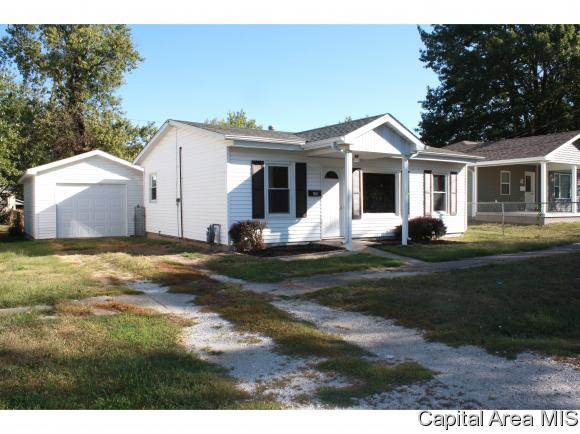 Ranch,1 Story, Residential,Single Family Residence - Girard, IL (photo 2)