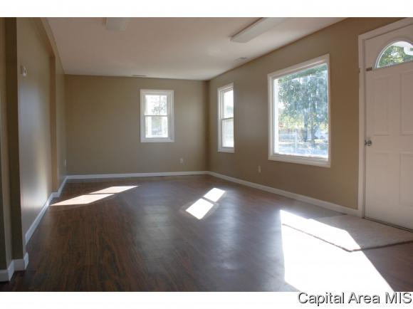 Ranch,1 Story, Residential,Single Family Residence - Girard, IL (photo 5)