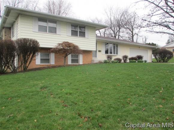 Quad, Residential,Single Family Residence - Jacksonville, IL (photo 1)