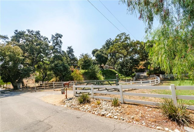 121 Furlong Lane, Bradbury, CA - USA (photo 2)
