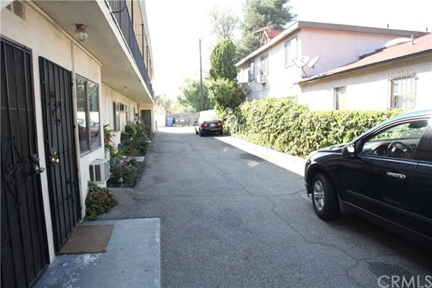 5737 Willowcrest Avenue, North Hollywood, CA - USA (photo 3)