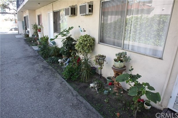 5737 Willowcrest Avenue, North Hollywood, CA - USA (photo 4)
