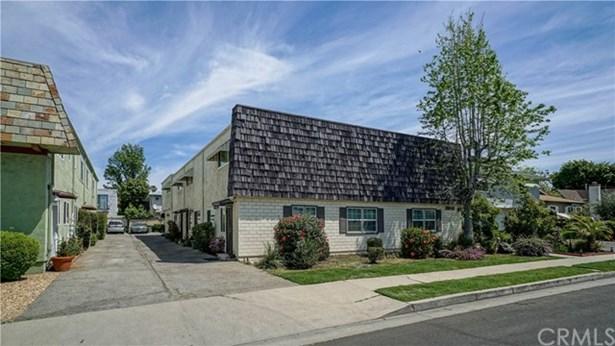 10843 Huston Street 2, North Hollywood, CA - USA (photo 1)