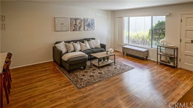 10843 Huston Street 2, North Hollywood, CA - USA (photo 2)
