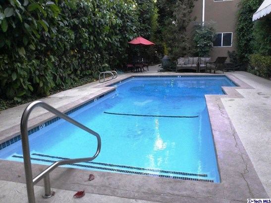 4240 Fulton Avenue 304, Studio City, CA - USA (photo 2)