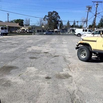 8424 Wheatland Ave., Sun Valley, CA - USA (photo 1)