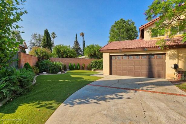10556 Bianca Avenue, Granada Hills, CA - USA (photo 3)
