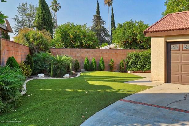 10556 Bianca Avenue, Granada Hills, CA - USA (photo 4)