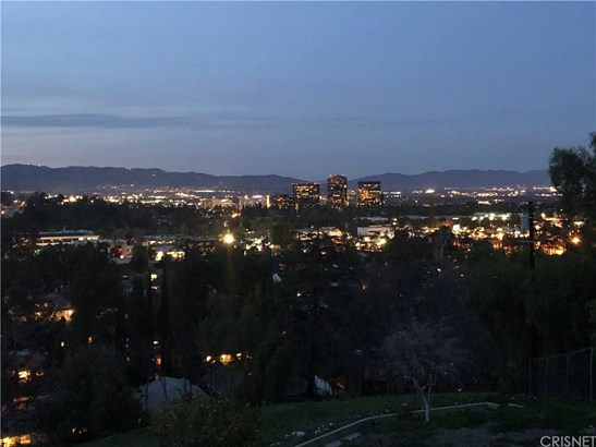 22261 Cass Avenue, Woodland Hills, CA - USA (photo 1)