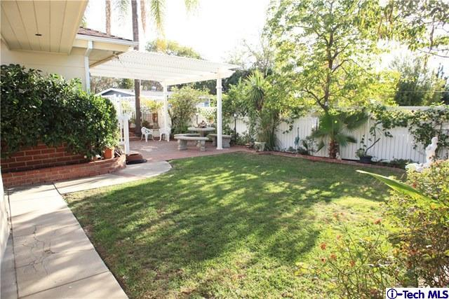 1132 East Elmwood Avenue, Burbank, CA - USA (photo 4)