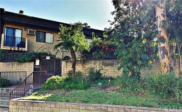 8641 Glenoaks Boulevard 116, Sun Valley, CA - USA (photo 1)