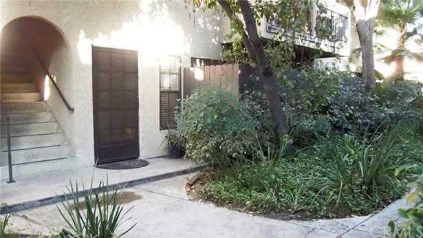 8641 Glenoaks Boulevard 116, Sun Valley, CA - USA (photo 3)