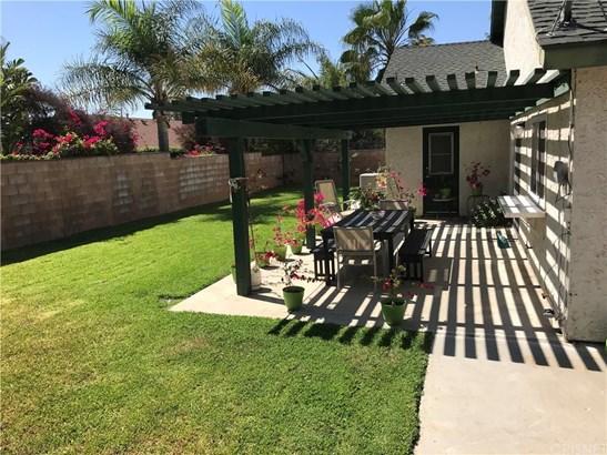 7540 Melba Avenue, West Hills, CA - USA (photo 3)