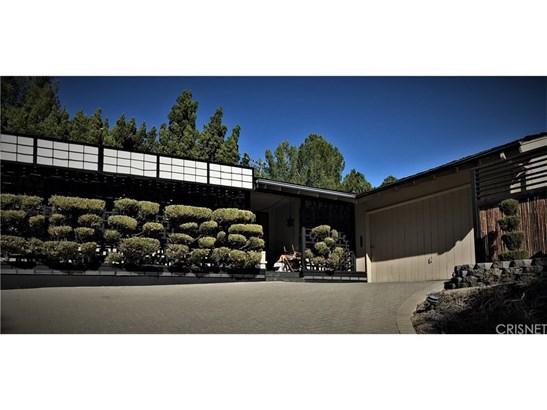 20417 Califa Street, Woodland Hills, CA - USA (photo 1)