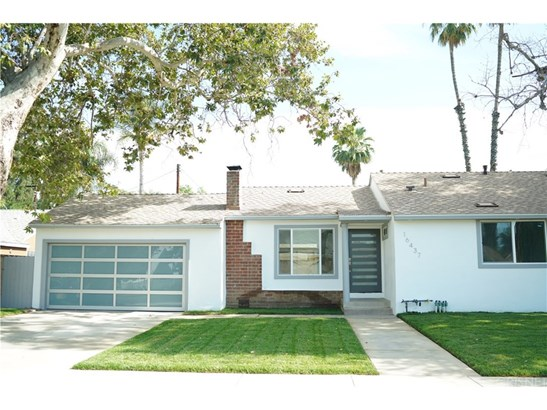 16437 Tupper Street, North Hills, CA - USA (photo 1)