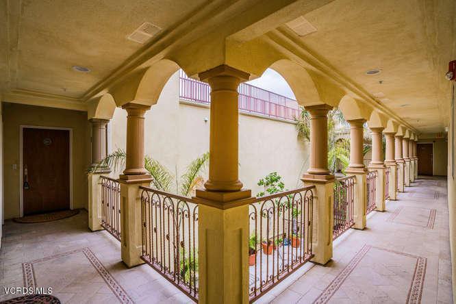 11803 Goshen Avenue Ph1, Los Angeles, CA - USA (photo 4)