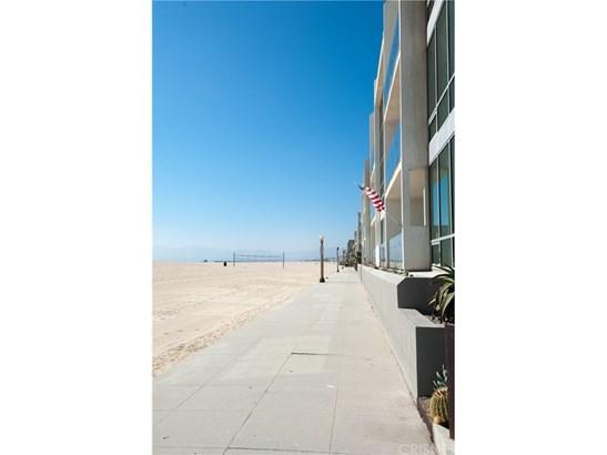 18 Voyage Street, Marina Del Rey, CA - USA (photo 2)