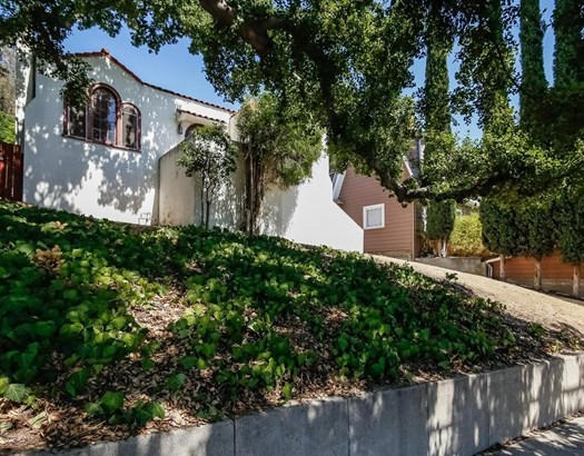 2031 Ridgeview Avenue, Eagle Rock, CA - USA (photo 3)