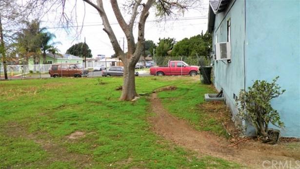 8412 Wheatland Avenue, Sun Valley, CA - USA (photo 3)