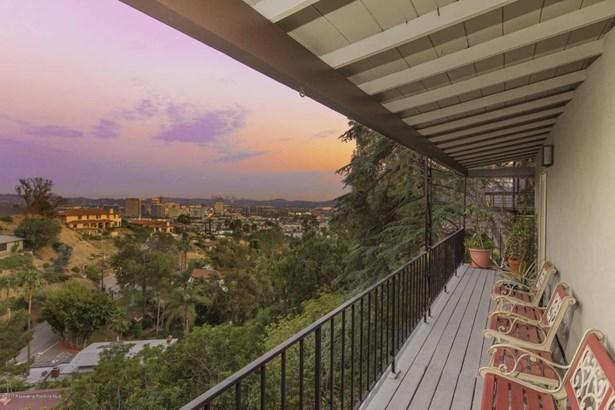 240 Kempton Road, Glendale, CA - USA (photo 2)