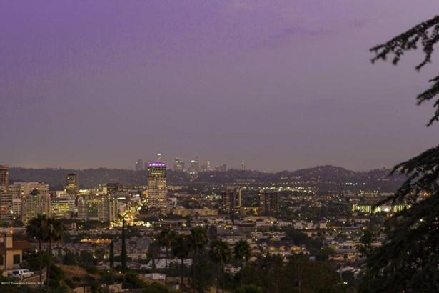 240 Kempton Road, Glendale, CA - USA (photo 3)