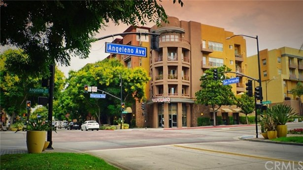 150 S San Fernando Boulevard 105, Burbank, CA - USA (photo 1)