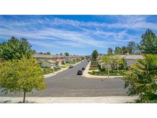 20207 Gilbert Drive, Canyon Country, CA - USA (photo 2)