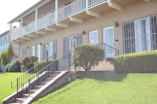 849 North Alexandria Avenue, Los Angeles, CA - USA (photo 2)