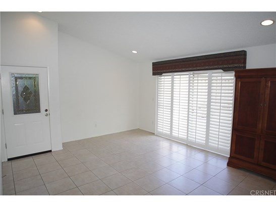 28348 Connie Court, Canyon Country, CA - USA (photo 4)