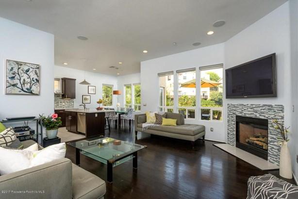 3826 Clayton Avenue, Los Angeles, CA - USA (photo 4)