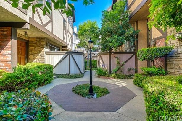 896 N Monterey Street, Alhambra, CA - USA (photo 3)