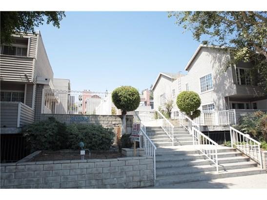 20235 Keswick Street 314, Winnetka, CA - USA (photo 1)