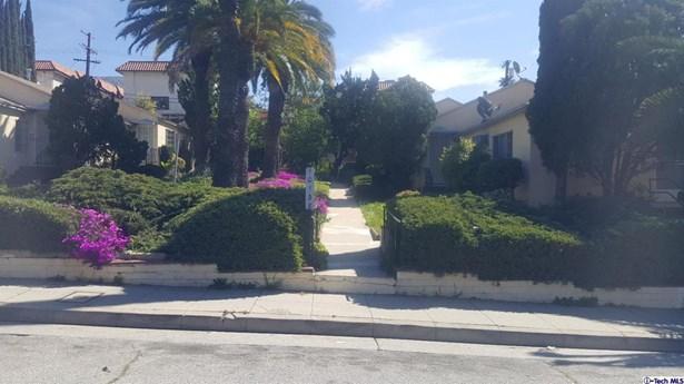 10140 Commerce Avenue, Tujunga, CA - USA (photo 2)