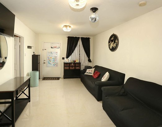 1045 West 65th Place, Los Angeles, CA - USA (photo 2)