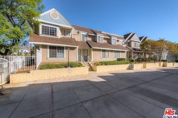 13750 Hubbard Street 1, Sylmar, CA - USA (photo 1)
