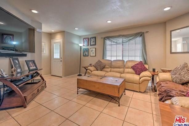 13750 Hubbard Street 1, Sylmar, CA - USA (photo 3)