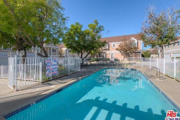 13750 Hubbard Street 1, Sylmar, CA - USA (photo 4)
