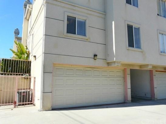 15734 Devonshire Street 20, Granada Hills, CA - USA (photo 2)