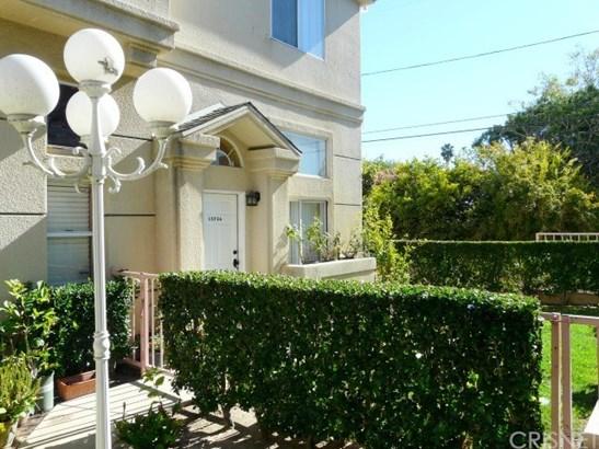15734 Devonshire Street 20, Granada Hills, CA - USA (photo 3)