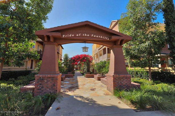 407 South Glendora Avenue, Glendora, CA - USA (photo 2)