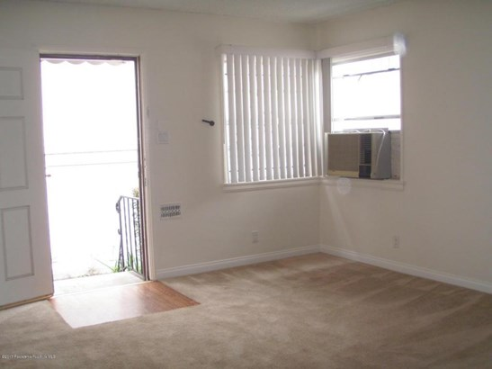 11013 Hartsook Street 1-4, North Hollywood, CA - USA (photo 2)
